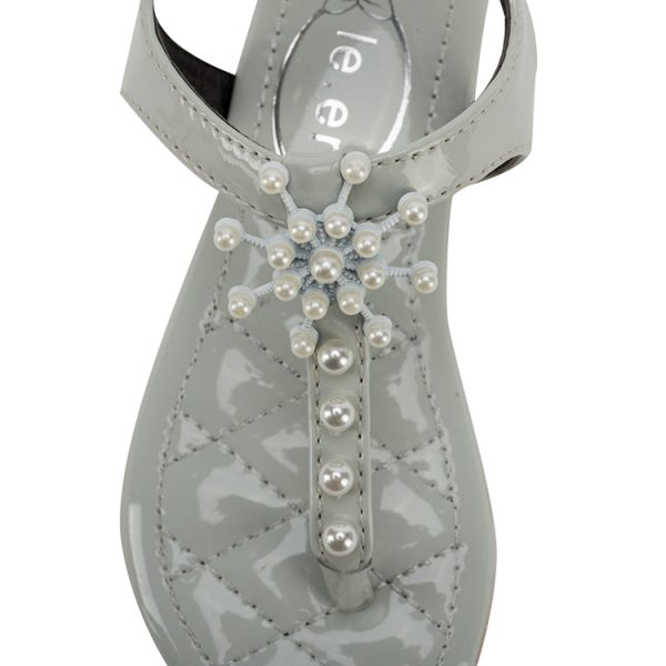 Fashion silver and white sandals with Pu material